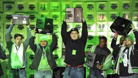 Roban la Xbox One a compradores que hacían cola de madrugada
