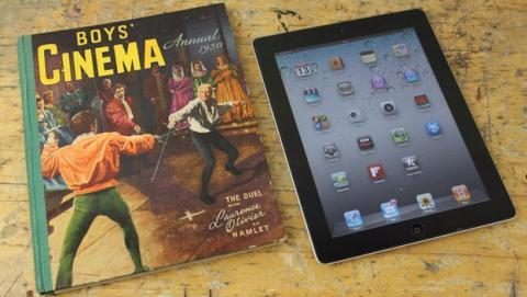 Fabrica una funda casera para tu tablet con las pastas de un libro, y Sugru