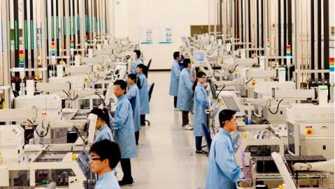 Intel permitirá usar su fábricas a otras marcas