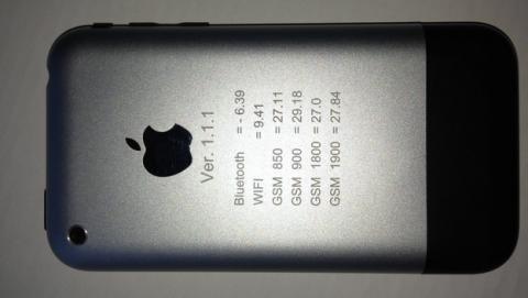 Subastan en eBay prototipo de iPhone vendido en 1500 dólares