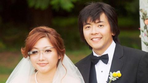 La primera boda con Google Glass. La novia vistió las gafas de Google y grabó el vídeo camino del altar