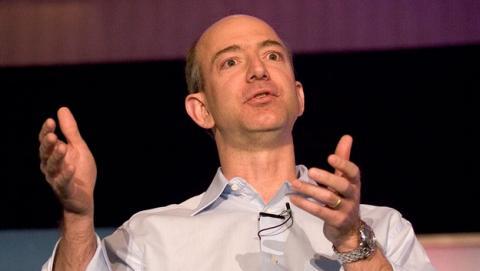 Jeff Bezos, fundador de Amazon, evacuado en helicóptero por la marina ecuatoriana tras sufrir un cálculo renal