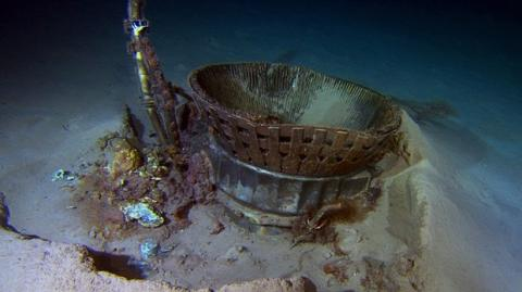 Jeff Bezos recupera los motores del Apollo XI