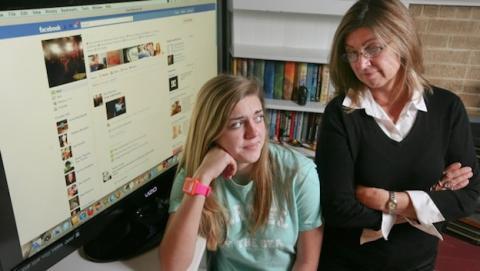 Mujer ayuda atrapar pederasta haciéndose pasar por hija en Facebook