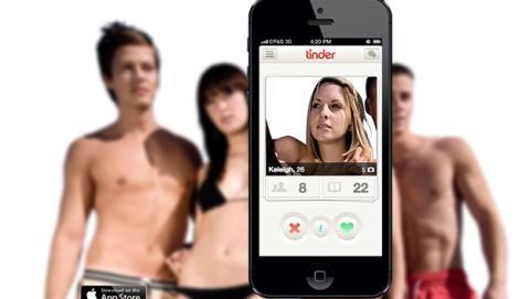 jóvenes usan móvil ligar