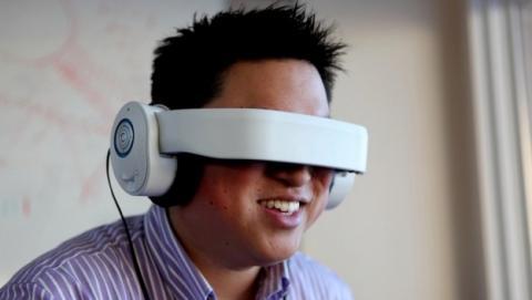 Glyph, las gafas de realidad virtual sin pantallas que proyectan imágenes en la retina