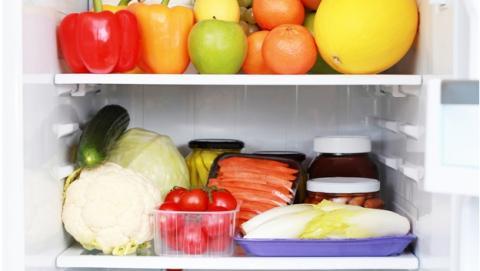 Cómo colocar los alimentos en la nevera para ahorrar energía y conservar mejor los alimentos