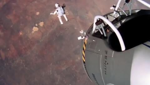 Nuevo vídeo del salto espacial Red Bull Stratos Felix Baumgartner con cámaras GoPro