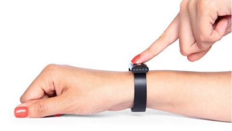 Nymi, la pulsera que convierte los latidos del corazón y el ritmo cardíaco en una contraseña biométrica