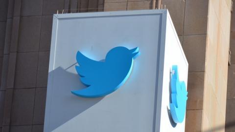 Twitter aumenta sus ingresos en 2013, pero no crece. Cae en Bolsa