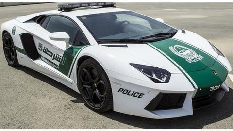 Lamborghini, Ferrari, Bugatti... Los coches deportivos de la Policía de Dubai