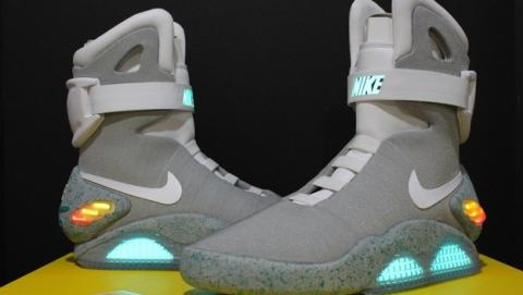Las zapatillas deportivas Nike MAG de Regreso al Futuro, a la venta en 2015