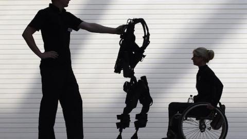 Exoesqueleto impreso en 3D ayuda a mujer a caminar /GETTY IMAGES