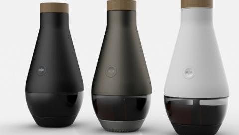 Máquina convierte agua en vino
