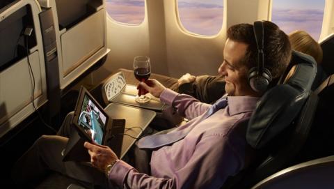 Iberia y Vueling ya permiten usar dispositivos electrónicos en todas las fases del vuelo, incluyendo el despegue y el aterrizaje, en Modo Avión.
