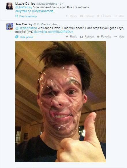 Sellotape selfie Jim Carrey