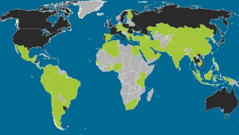 Mapamundi de los sistemas operativos móviles, con la implantación de Android, iOS, Blackberry y Windows Phone en todos los países del mundo.