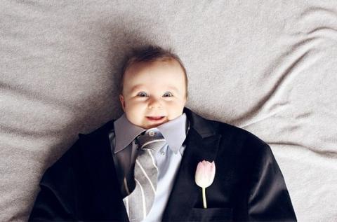 Instagram: bebés con traje de adulto