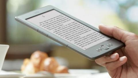 Iberia permite el uso de Kindle en el despegue y aterrizaje