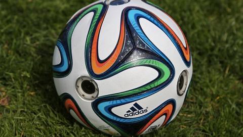 Adidas Brazuca, el balón oficial del Mundial de Fútbol Brasil 2014 con seis cámaras incorporadas, para grabar imágenes panorámicas de 360 grados desde el punto de vista del balón.