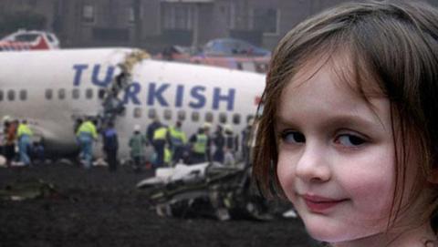 niña amenaza american airlines