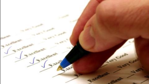 ¿Se puede ganar dinero rellenando encuestas? ¿Negocio o fraude?