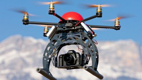 Usan drones no tripulados con cámaras infrarrojas para localizar plantaciones de cannabis y robarlas, o extorsionar a sus dueños.