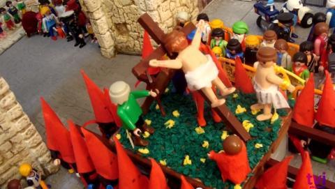 Caídas, puñetazos, y un nazareno borracho en los vídeos más bochornosos de la Semana Santa 2014