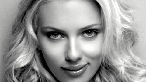 Las imágenes de Scarlett Johansson desnuda incendian la red