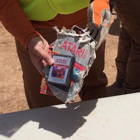 Encuentran juegos de E.T. enterrados