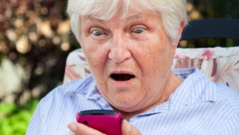 4% de usuarios de smartphones enviaron mensajes sexuales a suegra por error. El 30% de los usuarios de iPhone practican el sexting.