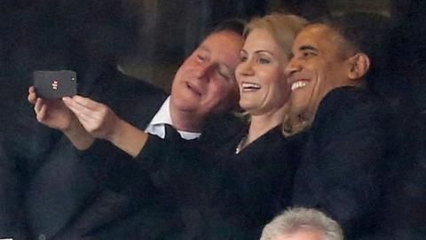 Reino Unido ha prohibido hacer selfies durante la votación en las Elecciones Europeas, bajo amenaza de denuncia a la policia.