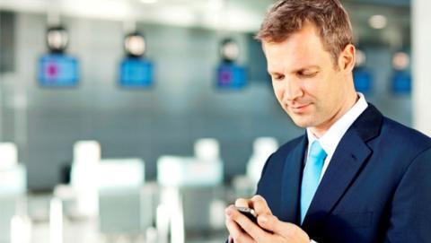 Smartphone en aeropuerto