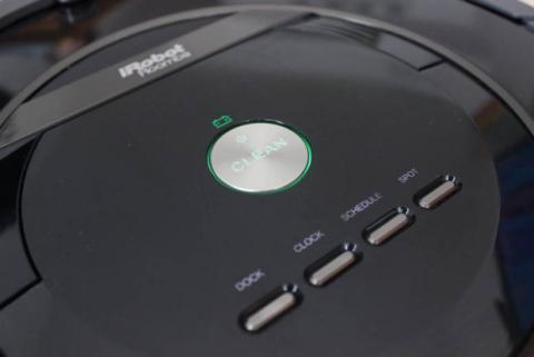 Botón de activación del Roomba 880