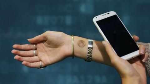 Digital Tatoo, el tatuaje temporal para desbloquear tu smartphone Moto X.