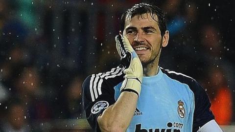 Iker Casillas explota en Instagram