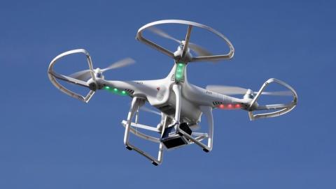 El Consejo de Ministros de España aprueba una norma temporal que regulará el uso de drones.