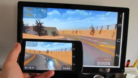 La actualización de Chromecast ya permite hacer mirroring, es decir, duplicar la pantalla de móvil o tablet en el televisor.