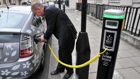 Ministros británicos usarán coches oficiales eléctricos