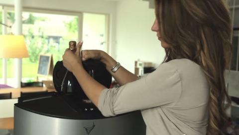 El auto-refrigerado V-Tex es una tecnología de auto-refrigerado que enfría una lata de cerveza en 30 segundos, utilizando un vórtice. Se la conoce cómo el microondas del frío.