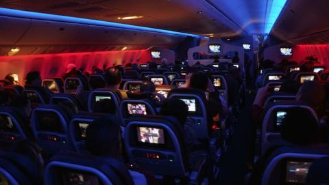 Desde hoy se podrá revisar tu smartphone en vuelos a EE.UU