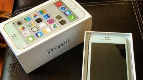 Se desvela la pantalla del iPhone 6 con su caja retail, en un supuesta versión lista para las tiendas.