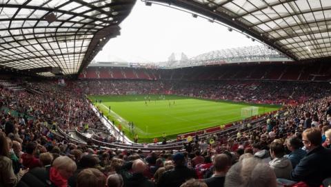 Manchester United prohíbe los iPads, tablets y portátiles en su estadio.