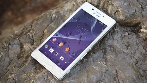 Sony Xperia M2 Aqua, el primer smartphone asequible, de gama media, resistente al agua y al polvo.