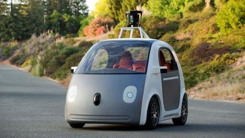Coches sin conductor deberán llevar volante... y conductor, según imponen las autoridades de California.