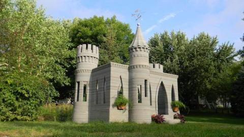 castillo en el jardín