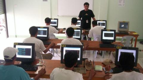 Colegios de Madrid enseñarán a diseñar apps, web y juegos con la nueva asignatura de Programación.