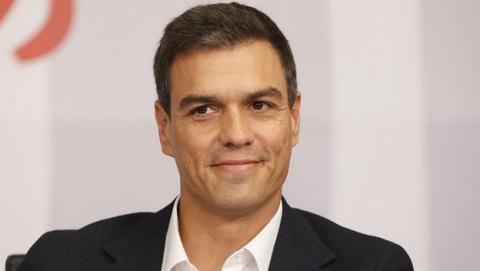 Pedro Sánchez, Secretario General del PSOE, denuncia que dispone de miles de seguidores falsos en su cuenta de Twitter.