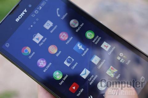 diseño y pantalla Sony Xperia T3