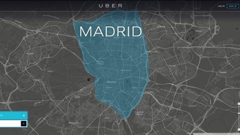 Uber se estrena en Madrid con protestas y amenaza de huelga de los taxistas.